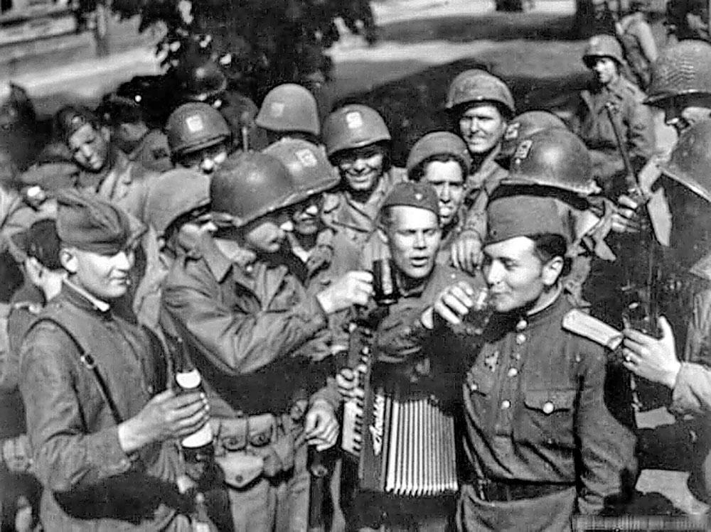 Встреча советских и американских войск на Эльбе 25-го апреля 1945-го года