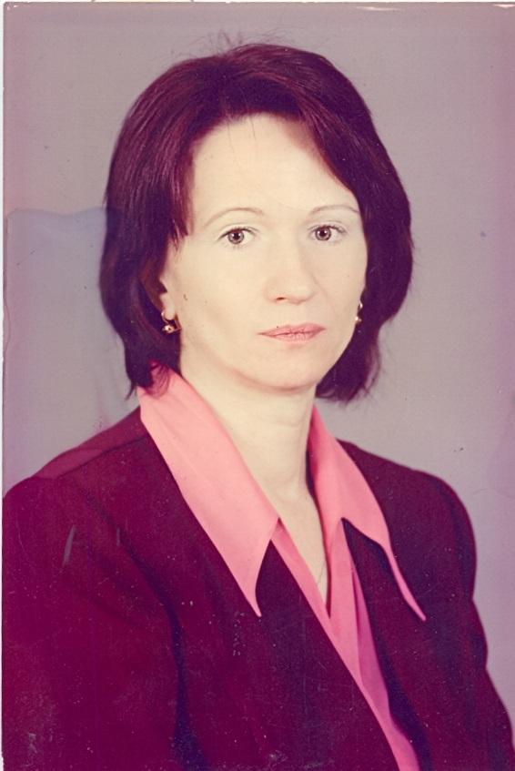 Зюзя Людмила Николаевна - зам. директора по учебно-воспитательной работе, учитель русского языка и литературы