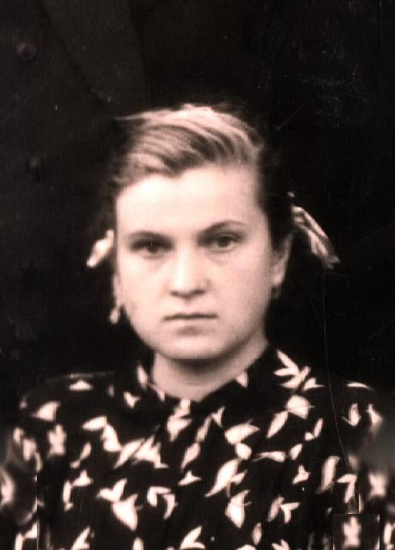 Анна Жученко