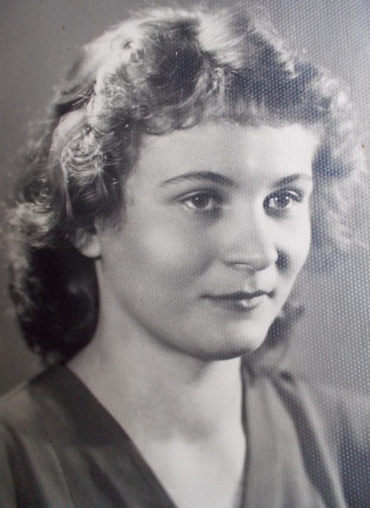 Вера Шкрыгунова (Кругликова)